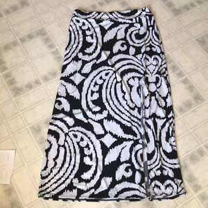 White House Black Market Front Slit Maxi Skirt